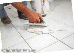 Встановлення керамічної плитки на підлогу